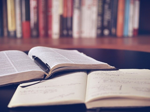"""III edycja studiów podyplomowych """"Zarządzanie zakupami"""" przeszła do historii"""